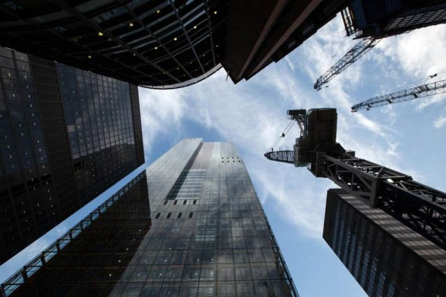 Growth in UK financial services weakens thanks to Brexit deadlock, survey finds